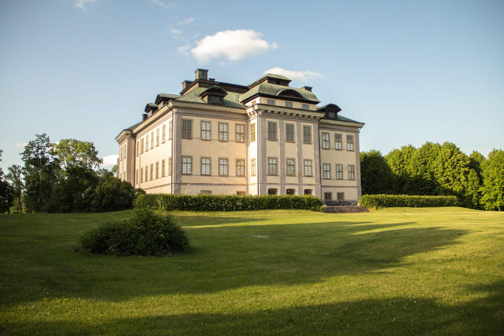 Salsta slottskafé fredag – söndag kl. 11-16